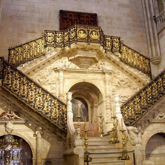 Escalera Dorada